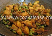 Aloo_Matar_Potato_Green_Peas_Stir_Fry_12