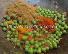 Aloo_Matar_Potato_Green_Peas_Stir_Fry_8