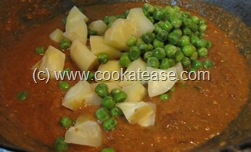 Aloo_Matar_Potato_Green_Peas_Tomato_Gravy_11