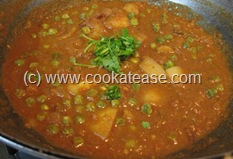 Aloo_Matar_Potato_Green_Peas_Tomato_Gravy_13
