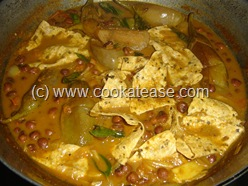Arai_Puli_Kuzhambu_Black_Eyed_Peas_Tangi_Curry_13