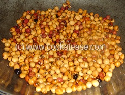 Arai_Puli_Kuzhambu_Black_Eyed_Peas_Tangi_Curry_4
