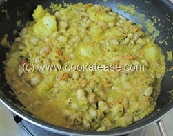Fresh_Peanuts_Pachai_Verkadalai_Potato_Curry_21