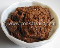 Thalippu_Vengaya_Vadagam_South_Indian_Seasoning_Chutney_Thuvayal