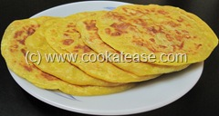 Puran_Paruppu_Poli_Stuffed_Indian_Sweet_Bread