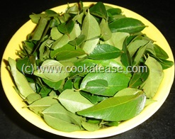 Karuveppilai_Curry_Leaves_Thuvayal_2
