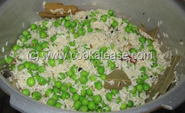 Matar_Chawal_Green_Peas_Fried_Rice_9