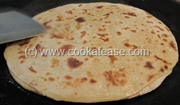 Mooli_Paratha_Radish_Stuffed_Indian_Bread_16