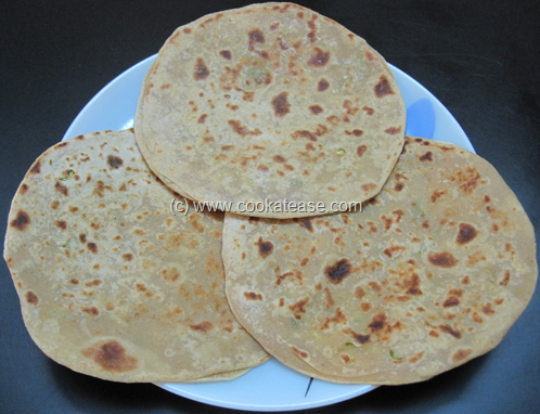 Mooli_Paratha_Radish_Stuffed_Indian_Bread_17
