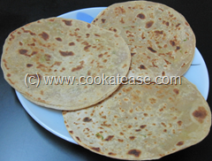 Mooli_Paratha_Radish_Stuffed_Indian_Bread_1