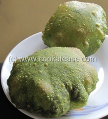 Palak_Poori_Puri_Indian_Spinach_Bread_1