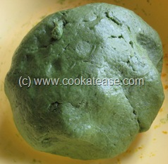 Palak_Poori_Puri_Indian_Spinach_Bread_9