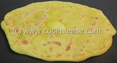 Puran_Paruppu_Poli_Stuffed_Indian_Sweet_Bread_17