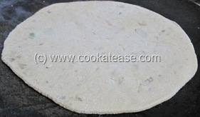 Pyaz_Paratha_Onion_Stuffed_Indian_Bread_10