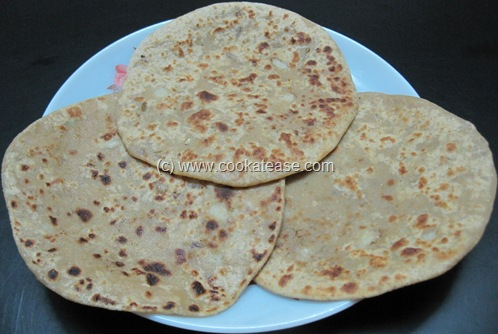 Pyaz_Paratha_Onion_Stuffed_Indian_Bread_13