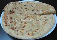 Pyaz_Paratha_Onion_Stuffed_Indian_Bread_1