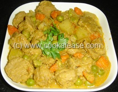 Soy_Chunks_Masala_Kuzhambu_Curry_1