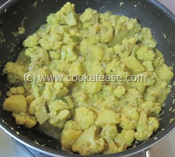 Spicy_Cauliflower_Potato_Aloo_Gobi_Fry_21
