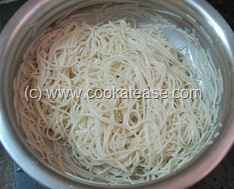 Vegetable_Hakka_Noodles_Chow_mein_11