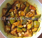 Aam_Achar_North_Indian_Green_Mango_Pickle_Maangai_Oorukai_12