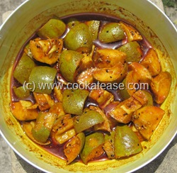 Aam_Achar_North_Indian_Green_Mango_Pickle_Maangai_Oorukai_13