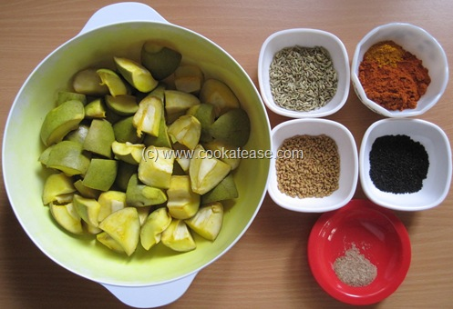 Aam_Achar_North_Indian_Green_Mango_Pickle_Maangai_Oorukai_9