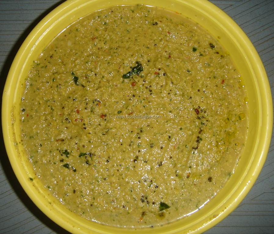 Chana dal chutney goes well with Idli, Dosa, Chapatti, Puri.